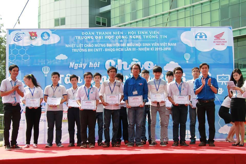 Ngày hội Chào Tân sinh viên 2015 - Chúc mừng các cán bộ Đoàn THPT